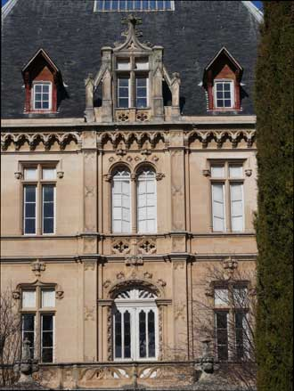Charleval.-Chateau3.-P.Verl