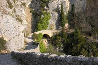Moustiers-Pont.-P.-Verlinde