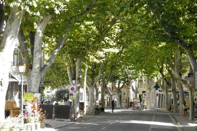 St-Rémy-de-Provence.-Villag