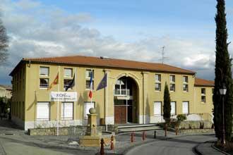 Meyreuil.-Nouvel-Hôtel-de-V