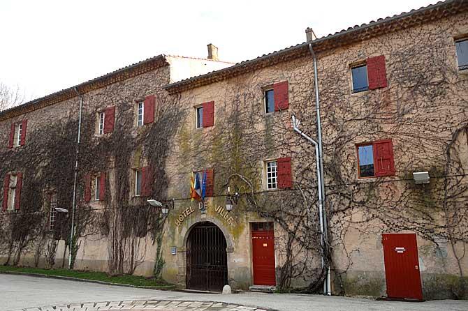 Chateauneuf-le-Rouge.-Mairi