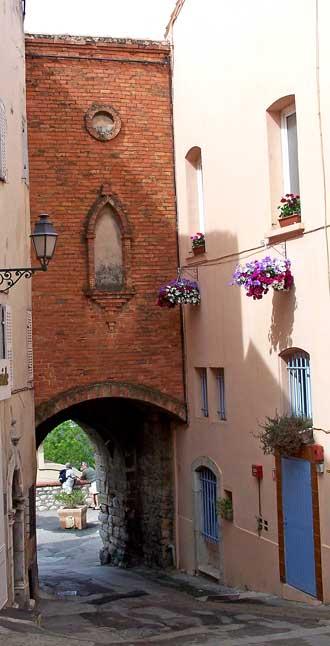 La-Cadière-d'Azur.-Porte-1.