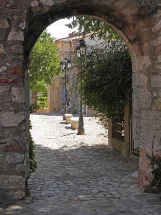 Le-Cannet-des-Maures.-Porte