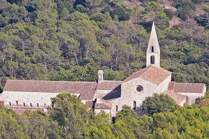 Le-Thoronet.-Abbaye.-P.-Ver