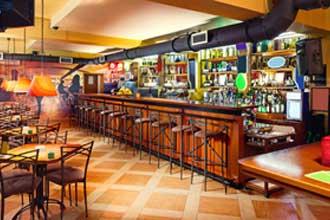 Bar---Fotolia_49977621
