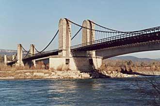 Pont-de-Mallemort-Fotolia_5