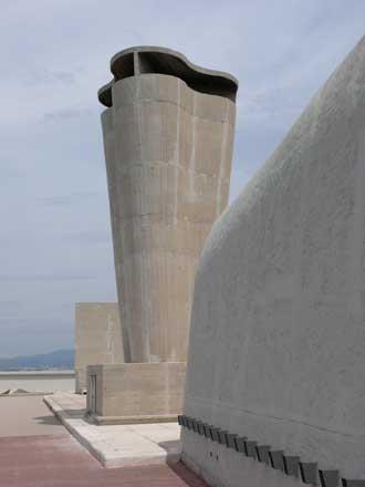 Cité-Radieuse-Le-Corbusier-