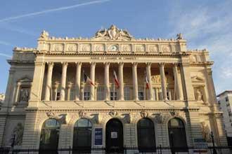 Palais-de-la-Bourse-Mars-2