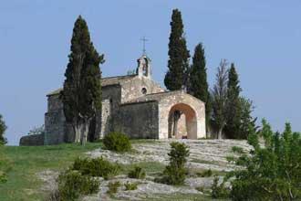 Cyprès-Eygalières-chapelle.