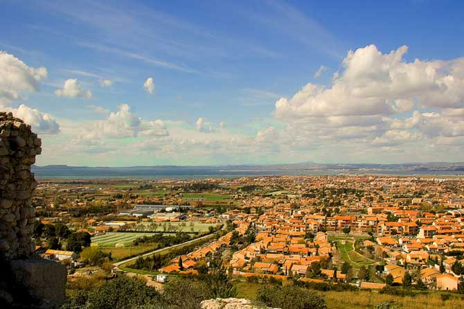 Marignane-Fotolia_398372_S