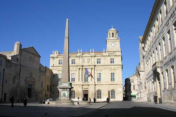 Arles-Mairie.-P.-Verlinden