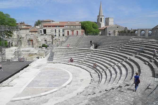 Arles-Théâtre.-P.-Verlinden