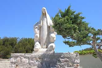 Bendor-Statue-Marie.-Raymon