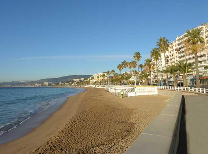 Cannes-Plage-du-Midi.-PV