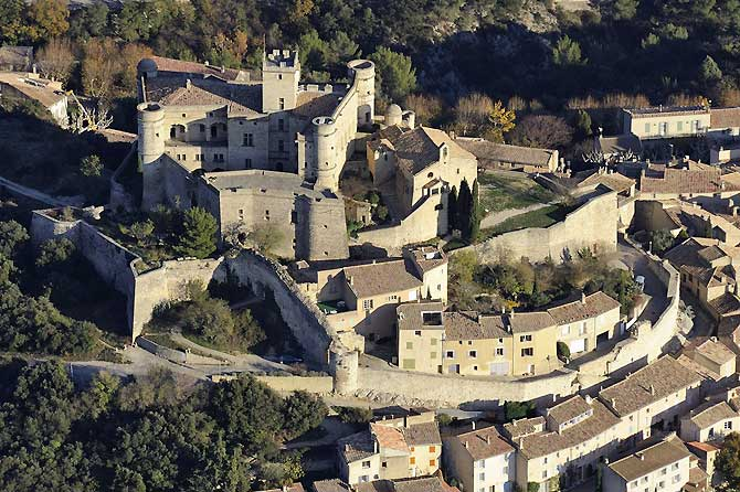 Le-Barroux-6-Fotolia_553513