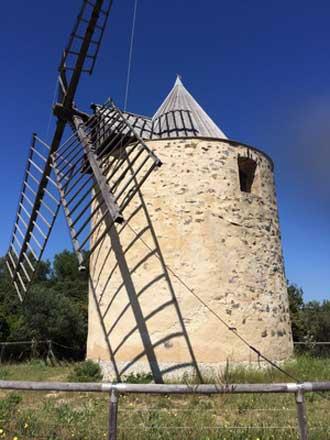 Moulin-Porquerolles-Fotolia