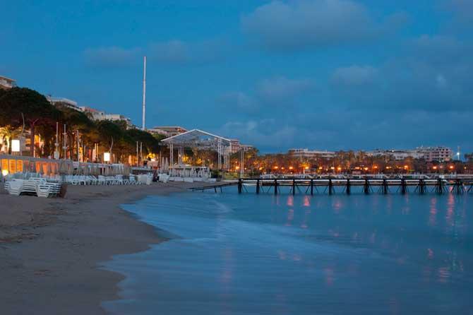 Plages-de-Cannes-6-Fotolia_
