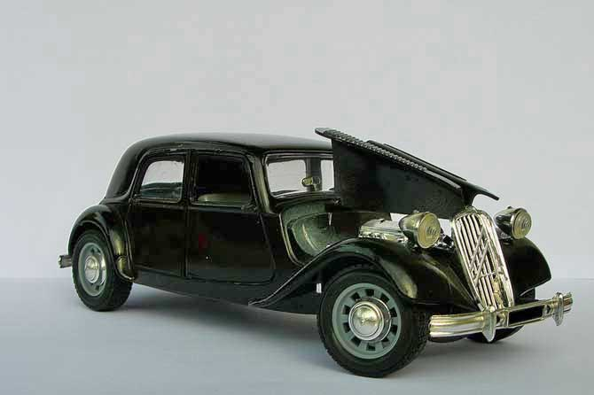 Traction-Avant-Fotolia_4910