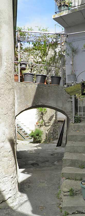 lescale-rue-pv