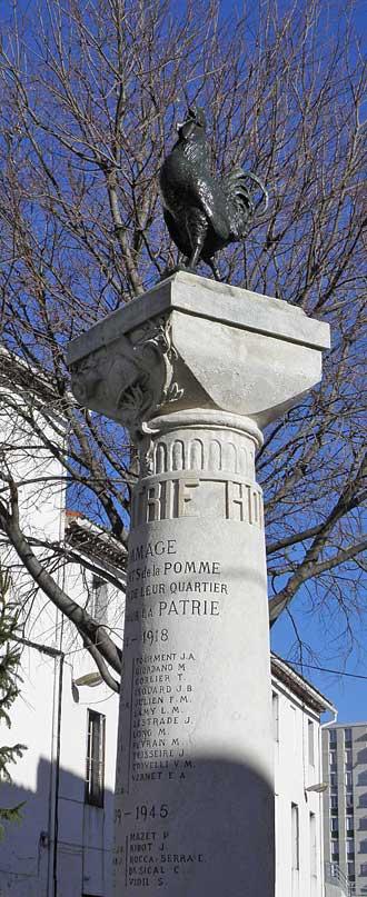 La-Pomme-Monument-1